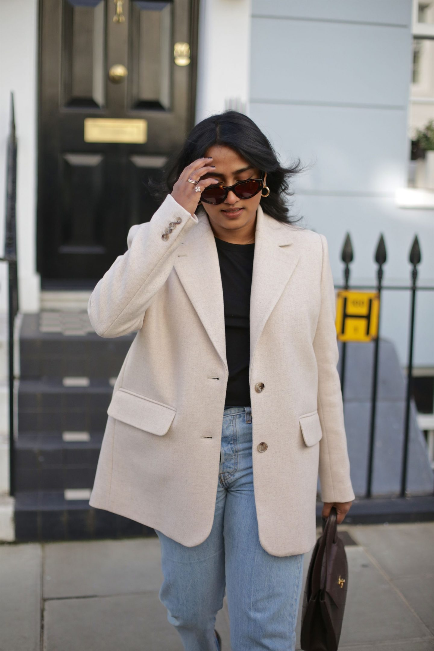 Petite Girls Tips To Wearing An Oversized Blazer